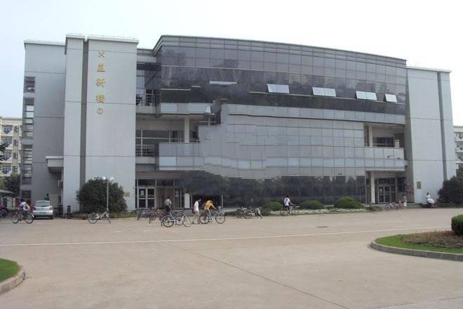 校果-上海大学益新食堂前户外路演巡展场地租赁