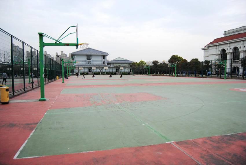 校果-上海外国语大学户外篮球场场地租赁