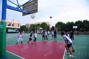 操场 上海应用技术大学-徐汇校区
