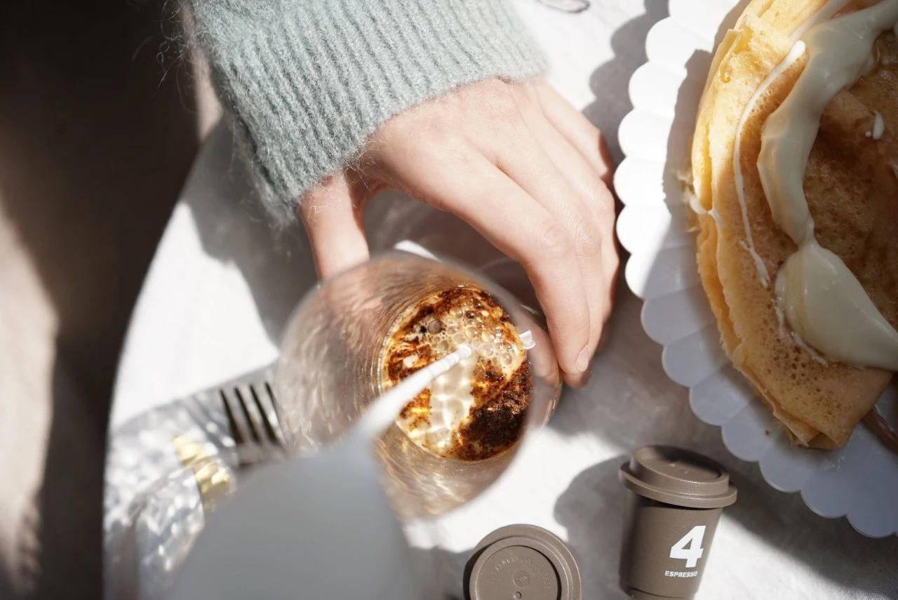 """星巴克的网红咖啡,销量一年翻10倍背后有哪些""""人性秘密""""?"""